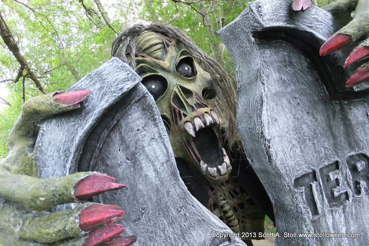 17 best images about stalloween on pinterest papier for Cool paper mache