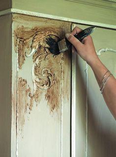 Comment utiliser la peinture la craie pour vieillir un meuble recette maison pinterest - Peinture a la craie pour meuble ...