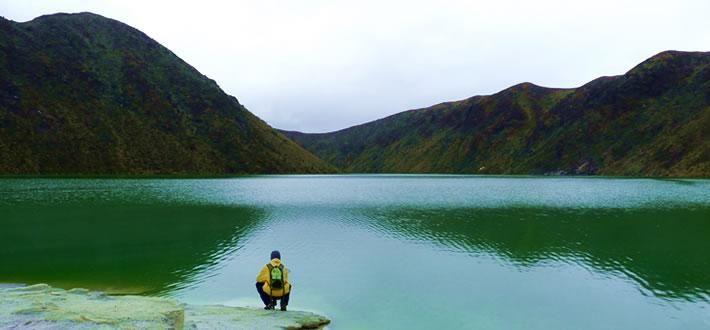 Volcán Azufral - Una laguna verde