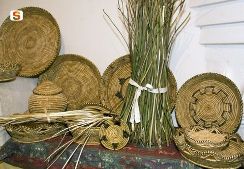 Traditional handmade baskets, made in Urzulei using local natural materials such as asphodel #Ogliastra #Sardinia