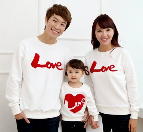 [FUNNYLOVE] BASIC SWEATER WITH LOVE PRINT
