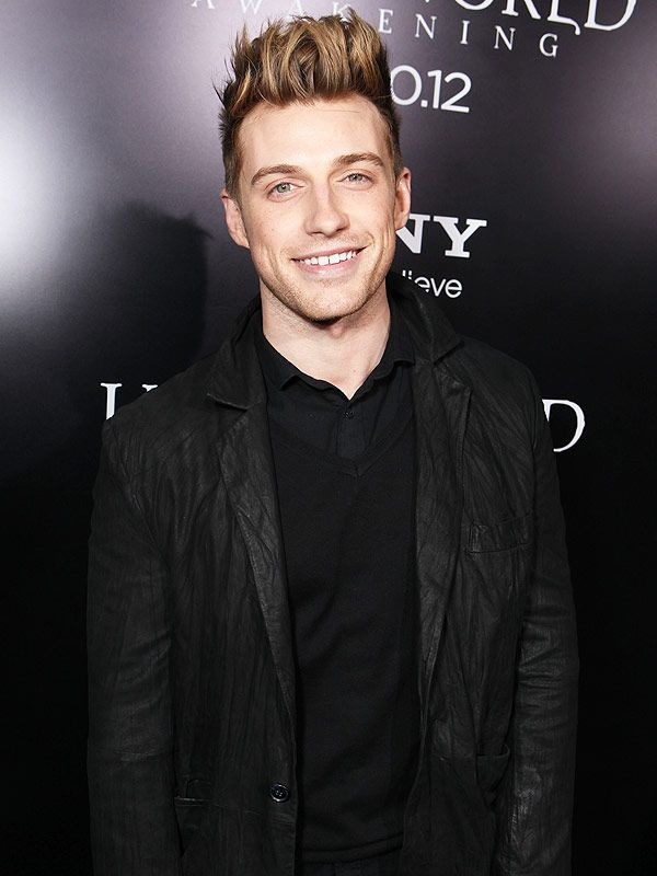 exclusive jeremiah brent is the new host of own s home. Black Bedroom Furniture Sets. Home Design Ideas