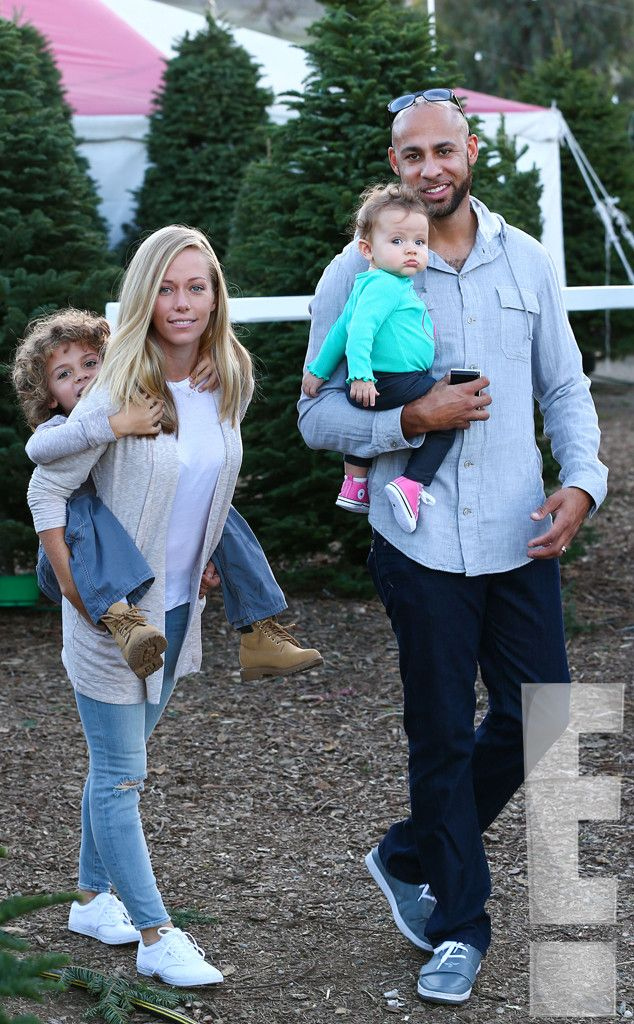 Christmas Miracle? from Kendra & Hank Reunite, Take Hank Jr. & Baby Alijah to a Christmas Tree Farm  The parents put on a united front for the holiday outing with Hank Jr. and baby Alijah.