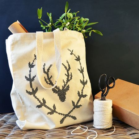 Cross Stitch Stag Wreath Tote from What Delilah Did