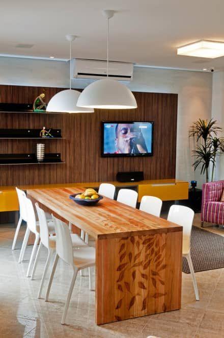 PROJETO ARQUITETÔNICO FACHADA E INTERIOR DA RESIDÊNCIA PRUNER  (Fotos: Lio Simas): Salas de jantar rústicas por ArchDesign STUDIO