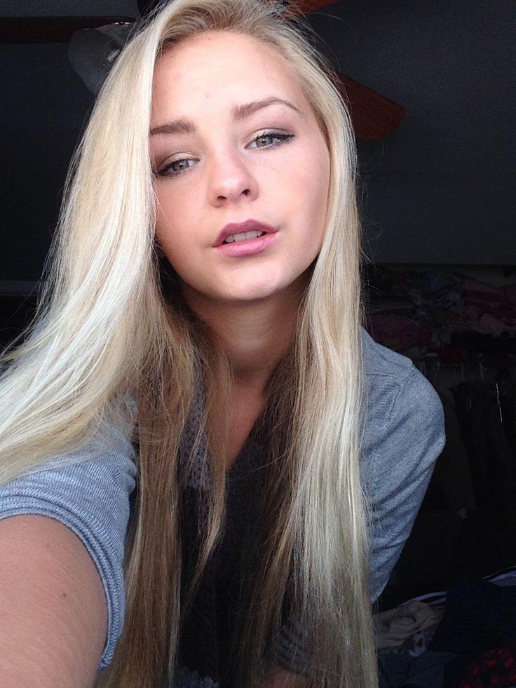 Teenager Blond