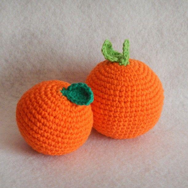 Naranjas amigurumi. Más fotos e info en LasManualidadesDeRita/wordpress.com  #naranja #naranjas #orange #oranges #mandarina  #fruta #frutas #fruit #fruits #LasManualidadesDeRita #amigurumi #manualidades #deco #decoración #decorative #decoration #handmade #hechoamano #ganchillo #crochet  #Galicia #Pontevedra #ACoruña #Lugo #Ourense #España #Spain