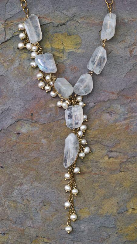 Cuarzo y perlitas, romántico collar.