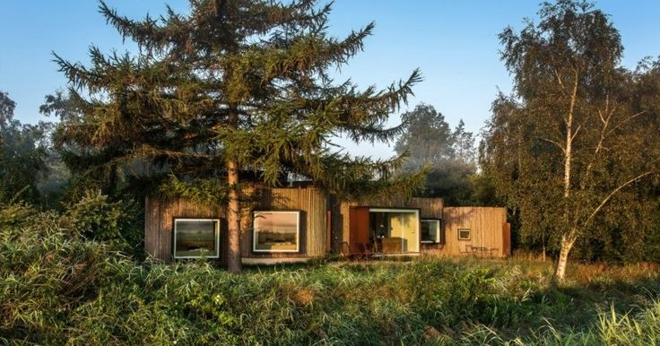 Jan Henrik Jansen, danish hotels, Birkedal, island of Møn, Denmark hotels, Denmark rentals, Denmark architecture, log cabins, pine-clad cabins, wooden cabins, cabin design, round homes, round architecture, danish home design, incredible vacation retreats, cabin retreats, off grid cabins
