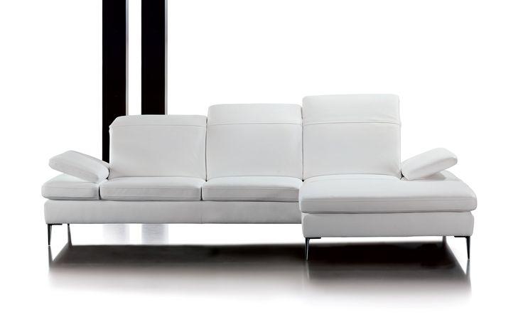 NICE Exkluzivní model, který navazuje na vynikající výrobky značky Böhm. Komfortem sezení zajištěným použitím nejkvalitnějších studených pěn a výborným řešením hlavové opěrky se model NICE řadí do nejvyšší kategorie sedacího nábytku.