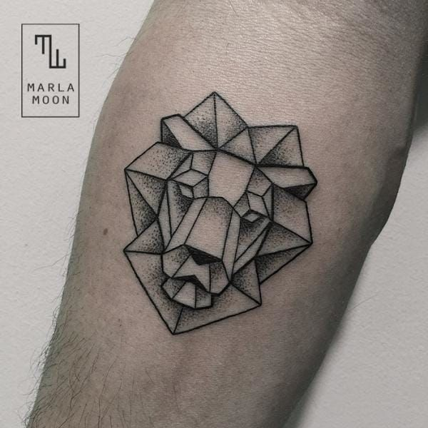 Lion tattoos are often bold traditional or realistic portrait tattoos but these geometric lion tattoos certainly hold their own!!