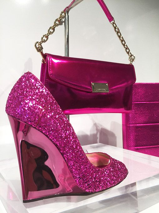 Jimmy Choo Pink metallic Wedge und Clutch #JimmyChoo #Outlet #Village