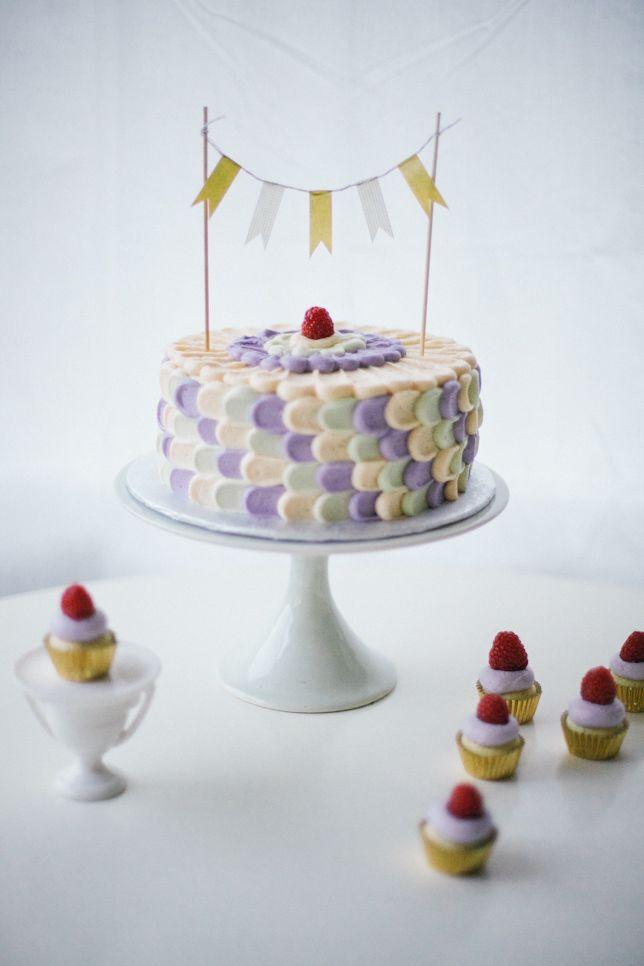 rainbow petal cake - coco cake land