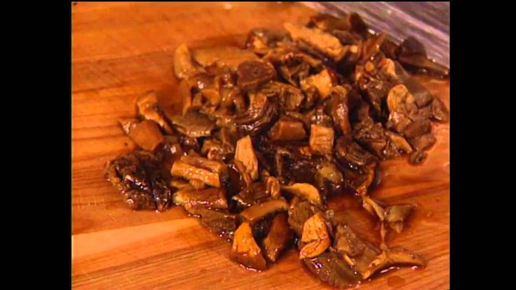 Risotto Funghi Selvatici with Lidia Bastianich (Julia Child: Cooking Wit...