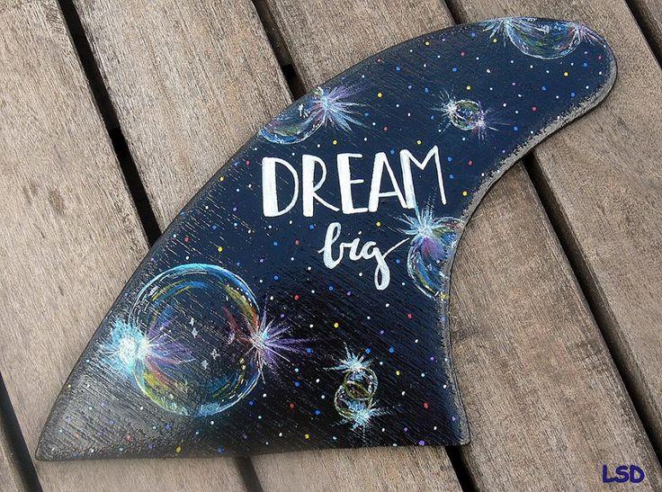 DREAM FIN - Acrylic & Uniposca, Regular fin