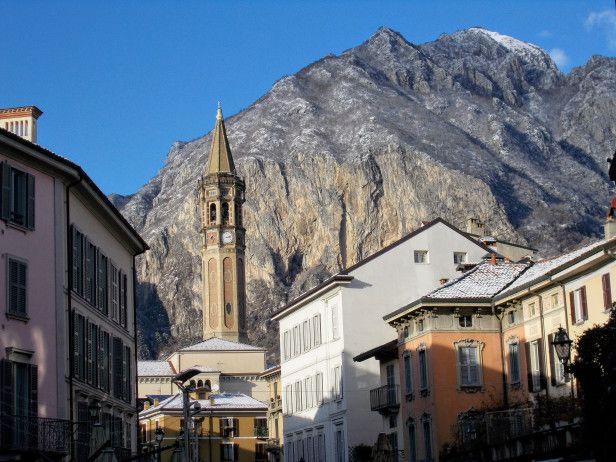 #Włochy #Lecco #Jezioro #Como #italia #italy #lombardia #alpy #północne #widok #krajobraz #romantycznie #miasto #zima #śnieg