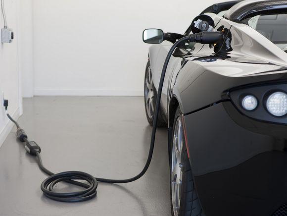 Roadster charging