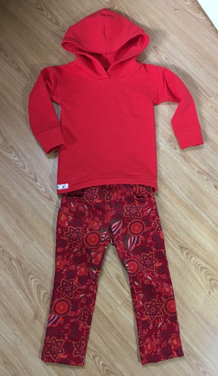Sweater mt. 98, Ottobre 4/2016 Broek mt. 98, Ottobre 6/2014