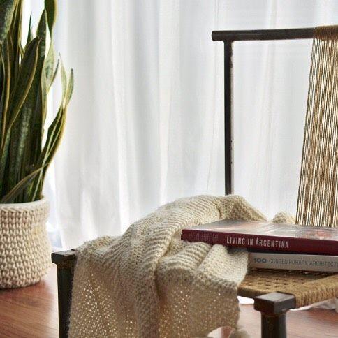 Muy #apykahome  Sillita de hierro manta tejida funda para maceta tejida todo #hechoamano     #deco #decor #decorate #decotruck #decoracion #decoration #diseñodeinteriores #interior #interiors #interiores #myhouse #micasa #livingroom #living #interiordesign #design #diseño #homedecor #homesweethome #homedecor #homedecoration #HOME #picoftheday #paz #peace #enjoy #hygge #net#apykahome @apykastore