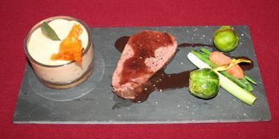 "Rezept: Rinderfilet ""Sous vide"" mit Süßkartoffel-Espuma und Gemüse"