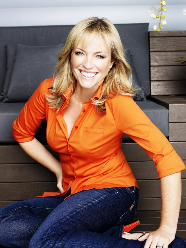 Rebecca Gibney star of Seven Network's recent drama series ' Packed to the Rafters' is nothing short of an entertainment industry veteran. She starred in police drama series 'Stingers' and also boasts a strong CV of feature film credits. Rebecca is an Ambassador of the Australian National Breast Cancer Network.