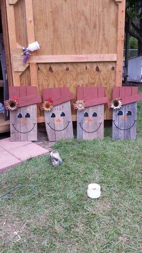 Pallet Scarecrow ladies