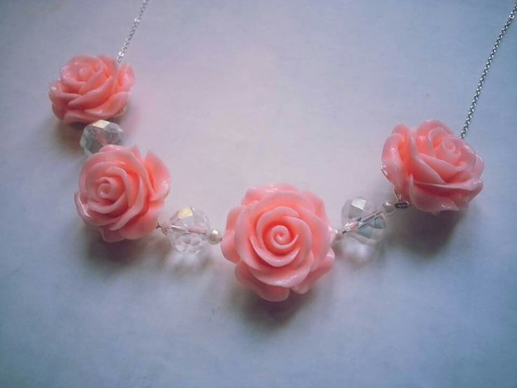 Chunky roses necklace, available to buy at www.facebook.com/dreambirddesigns