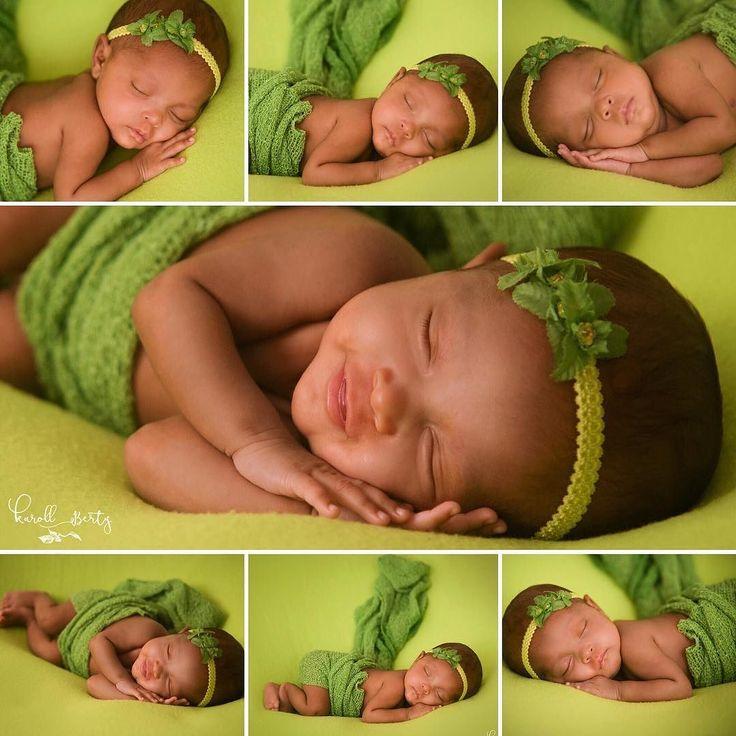 Soy tan  afortunada de tener esta  bebé por más de dos meses que no tengo mas que agradecer. Lo que para muchos es cuestión de tristeza y dolor para mí ha sido una  experiencia llena de gozo y alegría. Ser madre de un bebé prematuro té lleva a apreciar cada segundo cada minuto de vida.  Día a día veo en ella  la inmensidad la perfección y el maravilloso poder Dios. Así es Dios en ella Bella y Encantadora; dulce y tierna. Es mi pequeña princesa. Fotografia de Recién Nacidos…