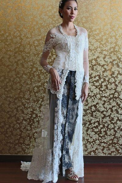 Wedding Kebaya Dress offwhite beautiful and amazing .Kebaya Modern Indonesia.