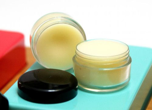 Super Effective Natural Home Remedy for Cold Sores - DIY Cold Sore Therapy Lip Balm Recipe with Neem Oil