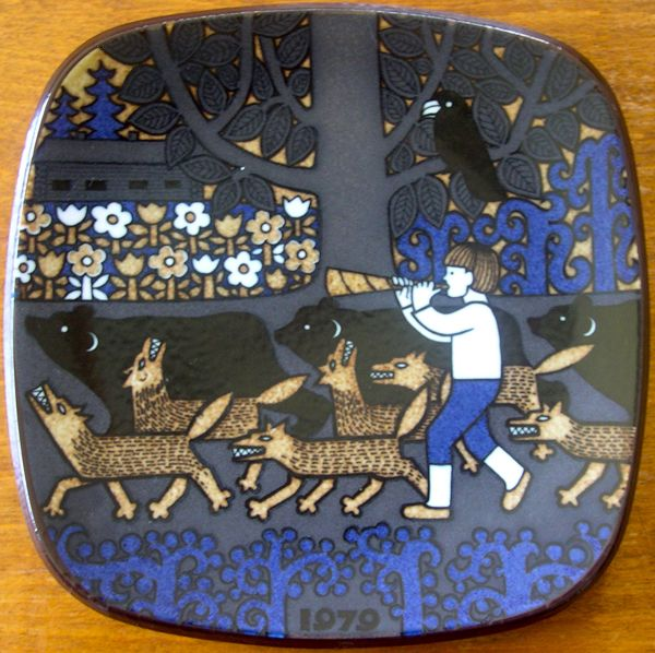 Kalevala Plate. The herd-boy Kullervo blowing his horn as he drives the bears and wolves before him. A black raven is sitting in a tree and far beyond is the farmhouse.