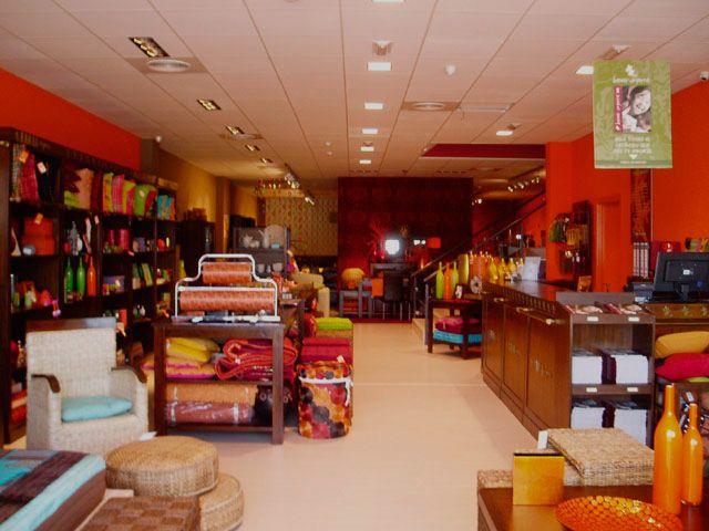 MUEBLES DE SEGUNDA MANO aquí encontraras fabulosas muebles antiguos, banak a muy buen precio Vendes tus muebles te ayudamos a la venta...Infórmate!!!