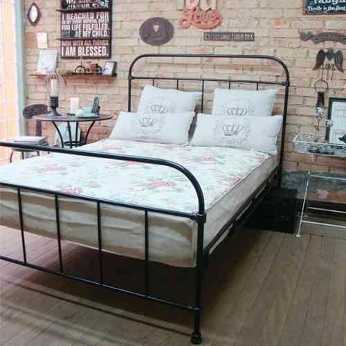 cama casal de ferro                                                                                                                                                                                 Mais