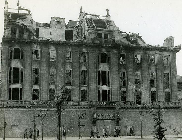 1945 Hotel Adlon