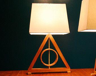Harry Potter Heiligtümer des Todes Tisch von GoldenRatioFurniture