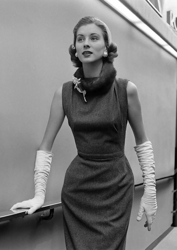 1956 - Balenciaga dress
