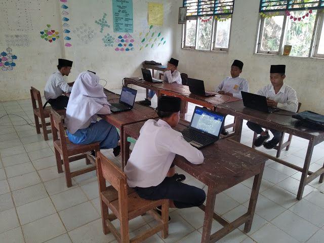 Pin Di Madrasah Gratis Terakreditasi