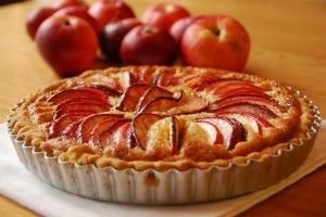 A classic French apple tart – authentic recipe from our French chefs in Toulouse, France. Learn more authentic French dessert recipes on their gourmet dessert making and patisserie weekend.