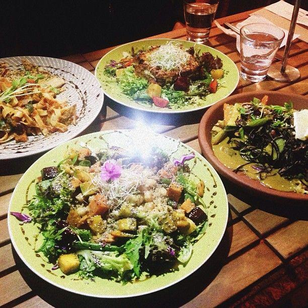 Instagram media by lonijane - What an Amazing vegan dinner with rad company @mojospirit @miannscanlan @cocolocopoco