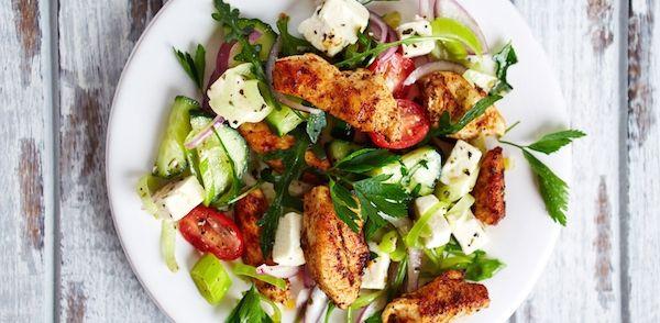 Een lekkere mediterrane salade om de zomer mee te vieren. Frisse groenten en smaakvolle kruiden maken deze salade tot een smaakvol geheel. Dit recept komt uit...