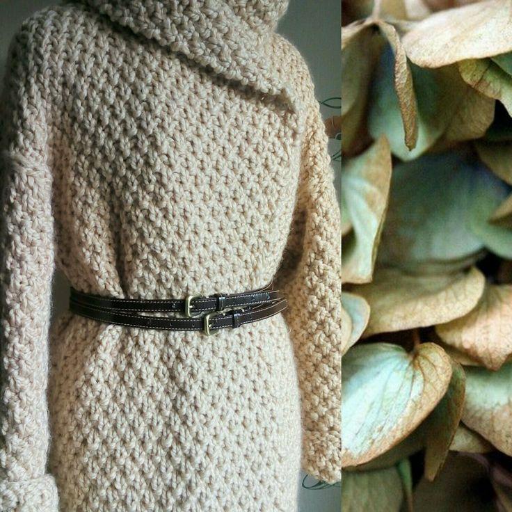 Купить или заказать Пальто вязаное с капюшоном в интернет-магазине на Ярмарке Мастеров. Вязаное пальто с капюшоном теплого светло-бежевого оттенка 'бежевая пудра'. Широкий шалевый воротник переходит в глубокий капюшон с отворотом. Теплое и очень мягкое, не вызывает дискомфорта , даже если соприкасается с кожей. Выполнено из высококачественной очень теплой полушерстяной пряжи с шерстью альпаки, очень мягкой, нежной на ощупь. Изделия из нее плотные и воздушные одновременно.