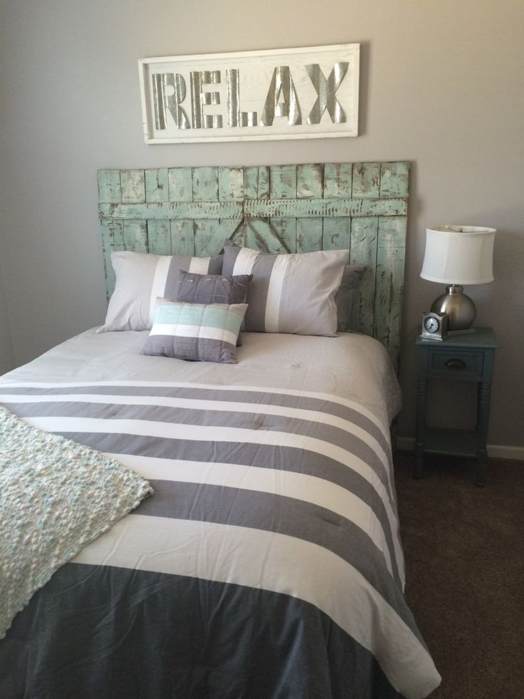 Western Inspired Room Love The Headboard With Old Doors: 1000+ Ideas About Distressed Headboard On Pinterest