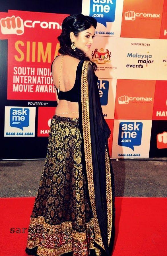 Shanvi-black-embellished-lehenga-SIIMA-2014