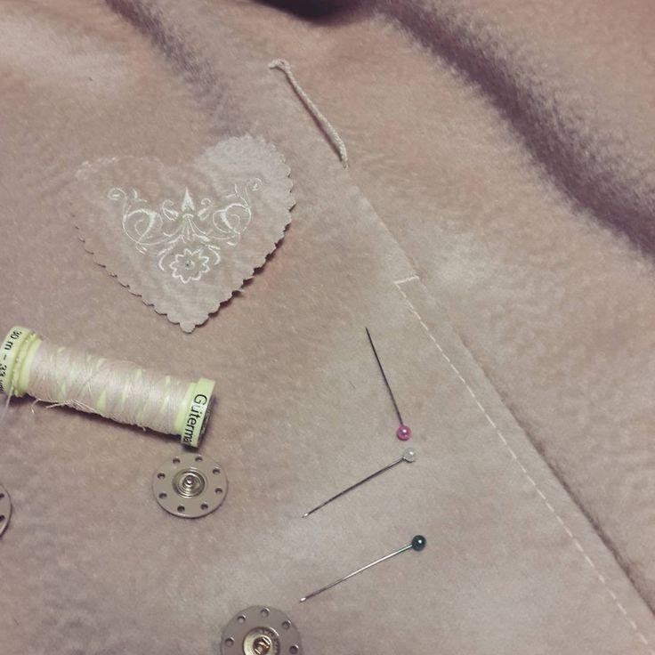 Карманы в боковом шве, плетеные  шлевки для пояса.# приятные мелочи😊#пальто -халат