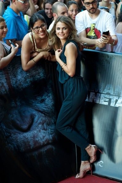 """Keri Russell Photos Photos - Actress Keri Russell attends the """"Dawn of the Planet of the Apes"""" (Amanecer en el Planeta de los Simios) premiere at the Capitol cinema on July 16, 2014 in Madrid, Spain. - 'Dawn of the Planet of the Apes' Premieres in Madrid"""