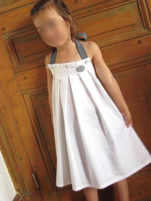 Robe dos nu patron maison, inspirée du modèle K du livre japonais n° 04 (rèf JCA's), en popeline de coton blanc from Toto, coton teint en Dylon gris