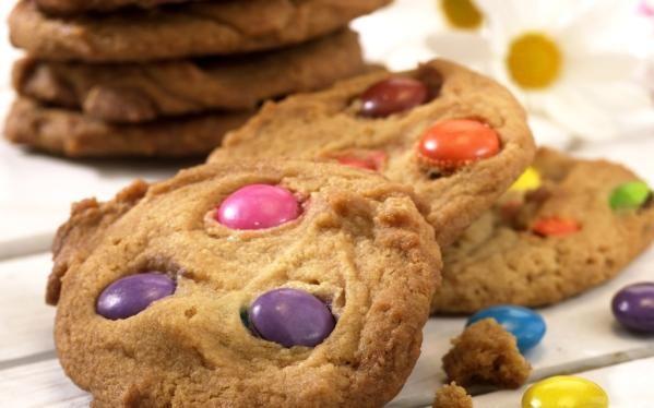 Oppskrift på Smartiescookies