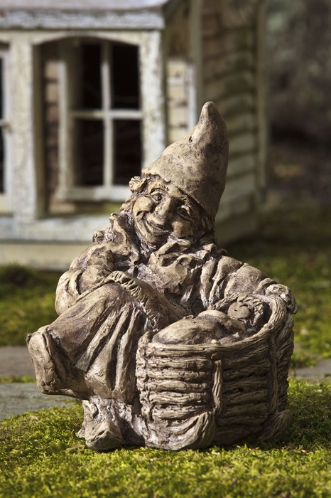 Gramma Hamma Gnome With Baby Garden Statue