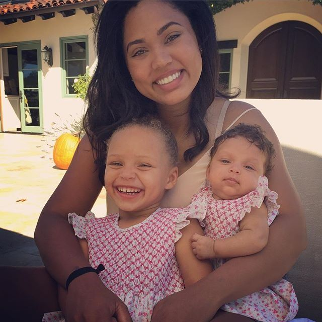 Riley Curry, Ayesha Curry and Ryan Curry are huge fans of their basketball star dad. Go Warriors!