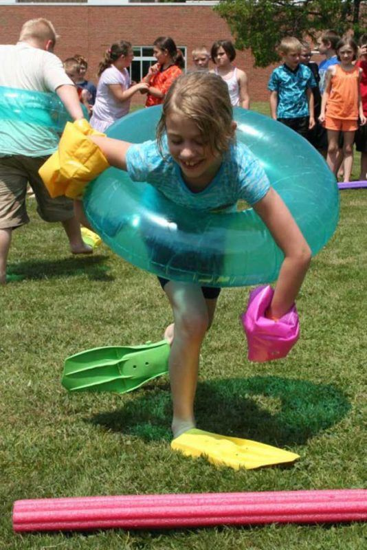 Beach Party Relay Race | Amazing DIY Beach Party Ideas